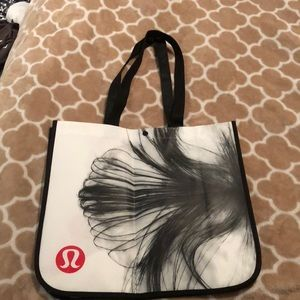 Oversized lululemon bag with flower petal